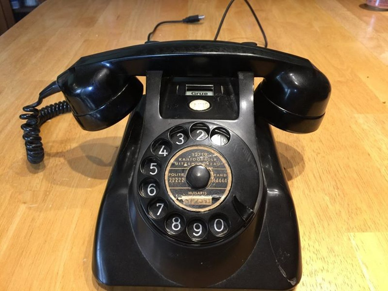 An engineer rigged a rotary phone to play a text adventure