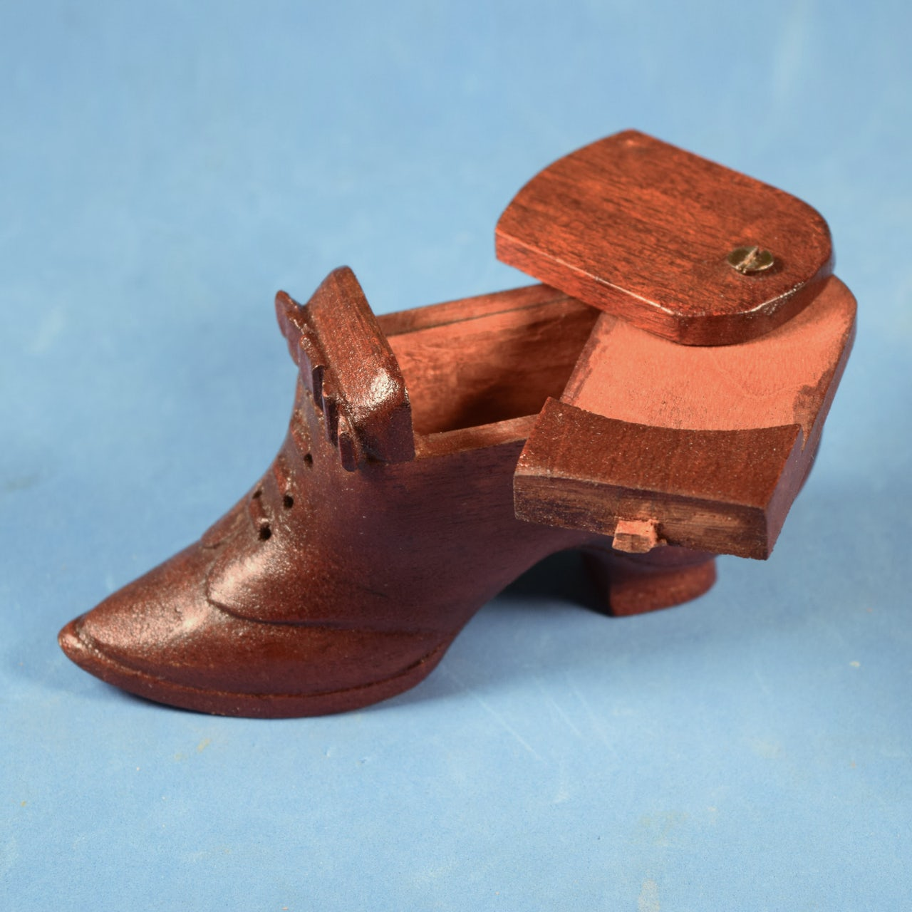 The odd wooden shoe