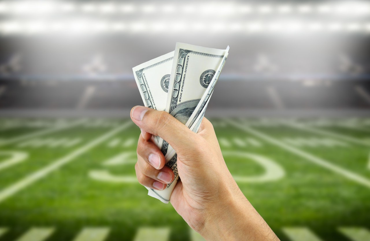 Super Bowl gambling with Venmo: extremely popular, mostly illegal