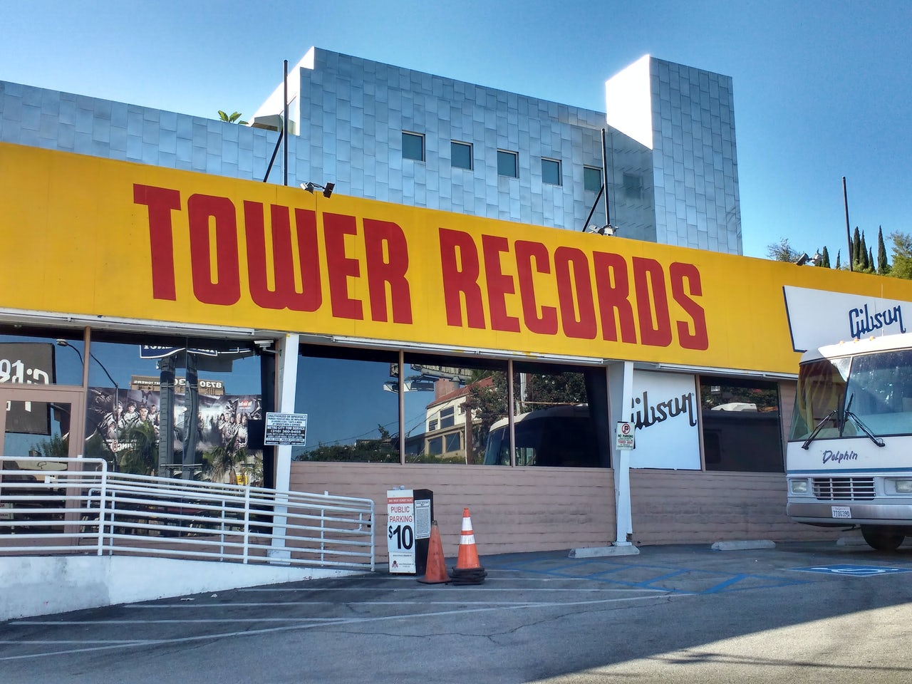Music Stores Sacramento : the man behind tower records the first great chain record store has died the outline ~ Russianpoet.info Haus und Dekorationen