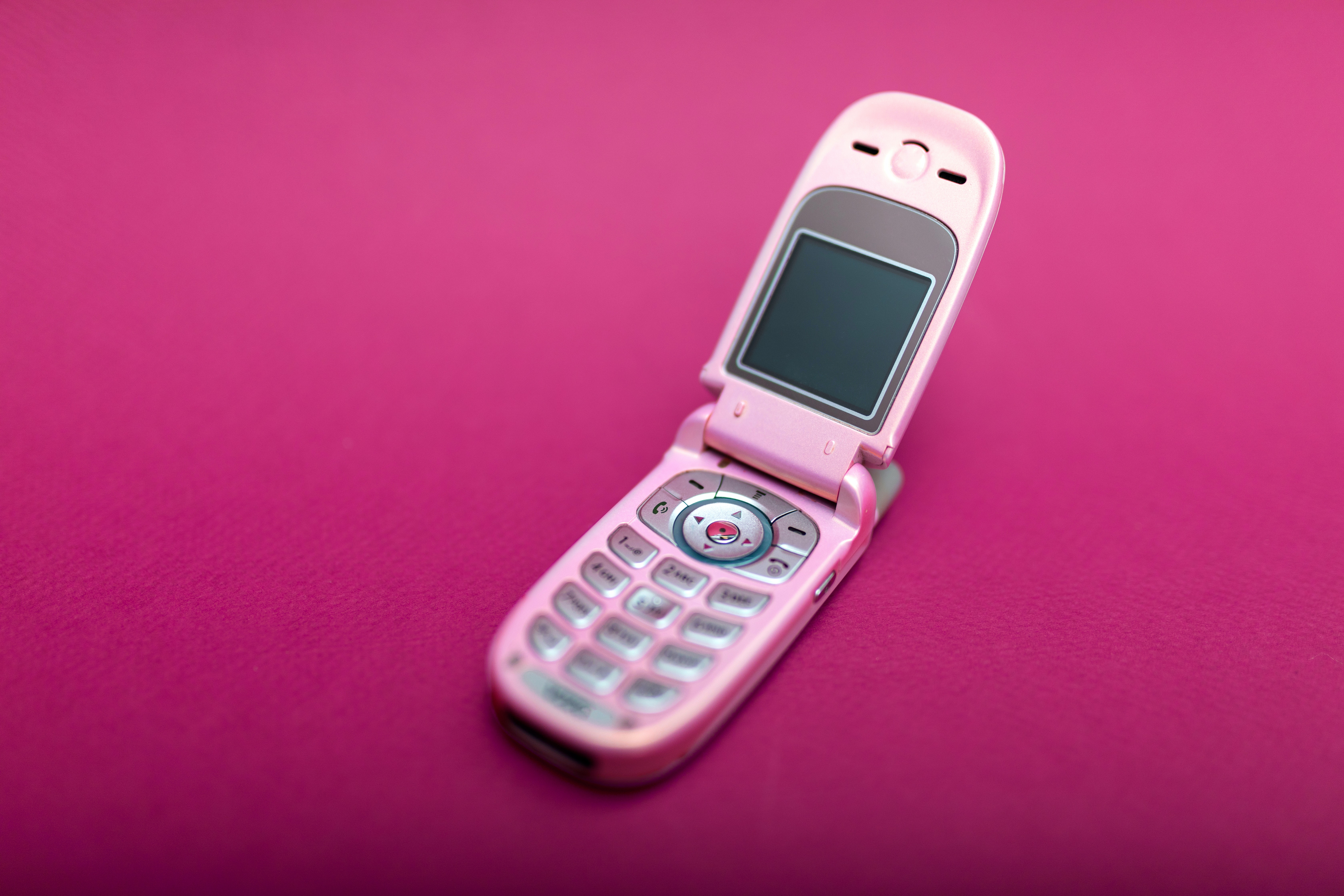 9e41d03f324d This year s hottest cultural trend is flip phones. Take your  600  smartphone and throw it ...