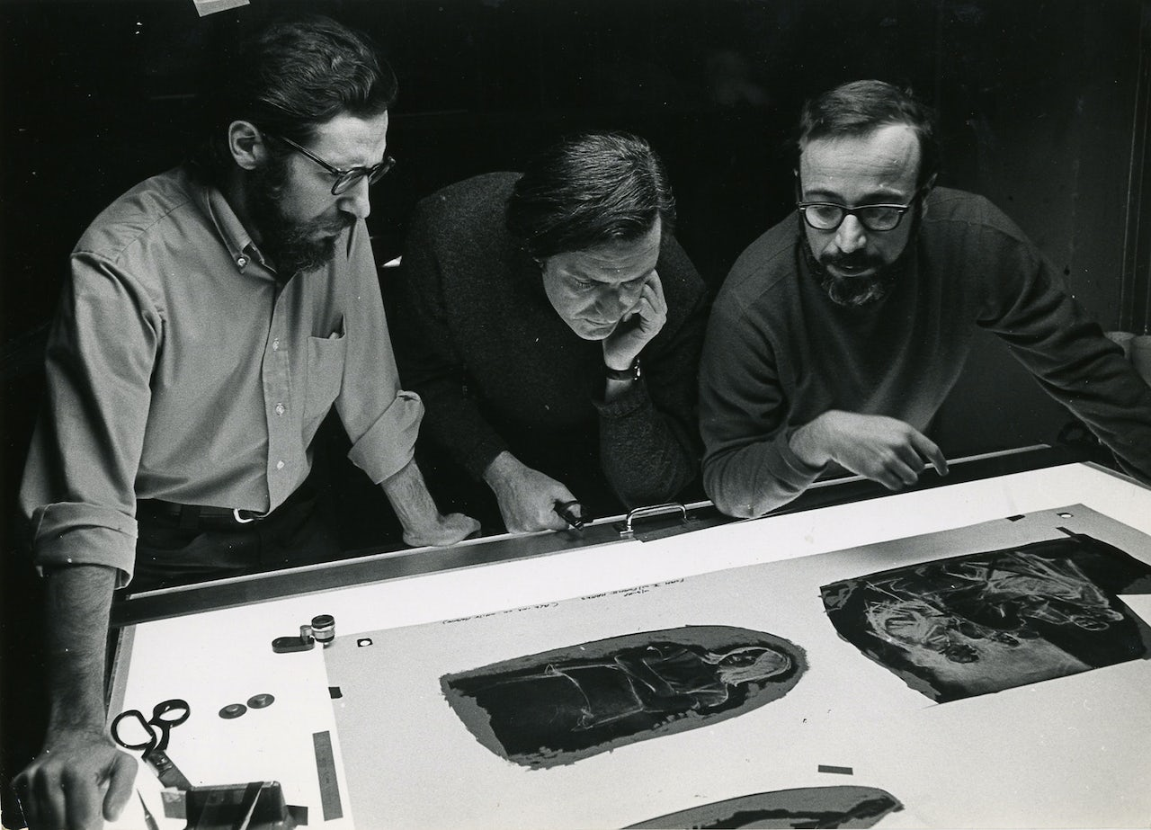 Burton Silverman (right) with artists Harvey Dinnerstein and Daniel Schwartz at a New York City printing studio, 1970.