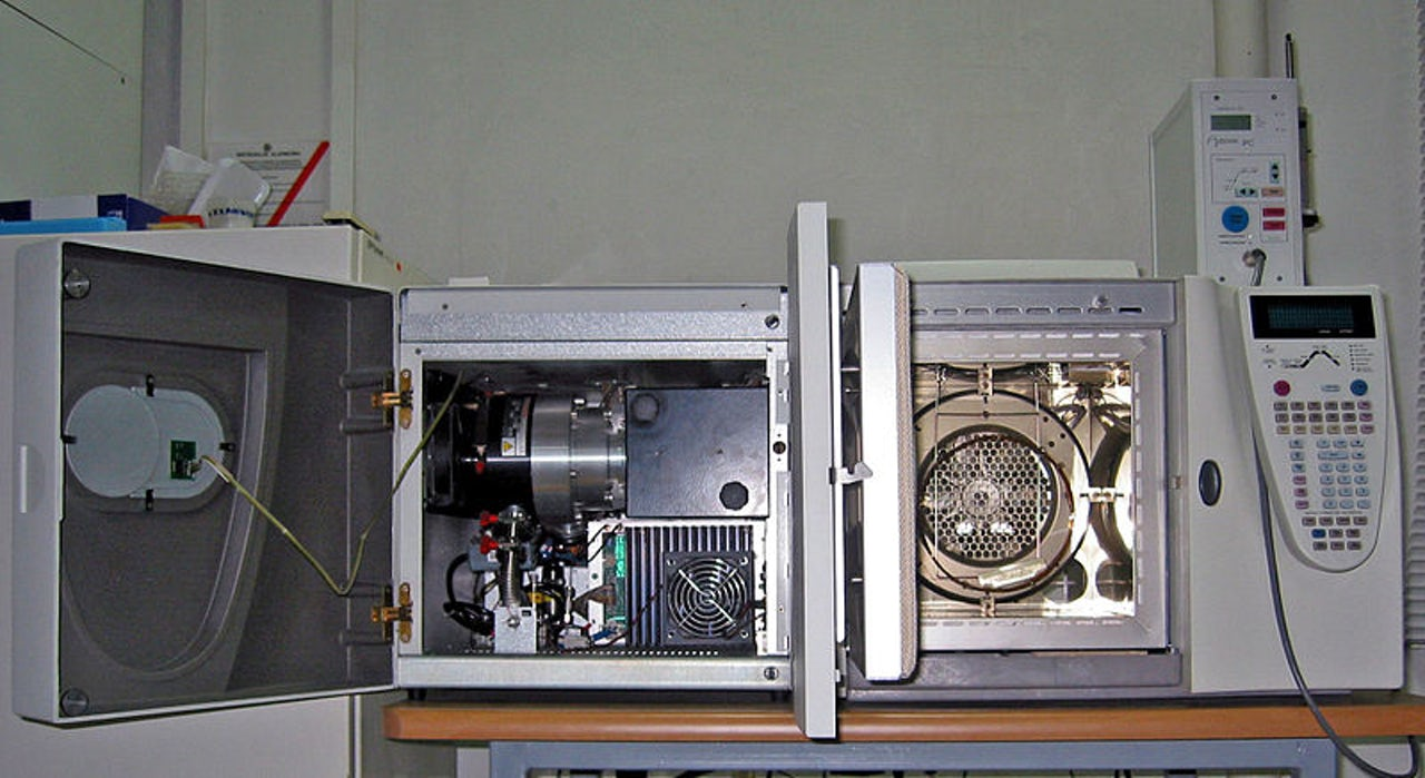 The guts of a gas chromatography/mass spectrometry machine, which separates an air sample into individual chemicals and analyzes them.