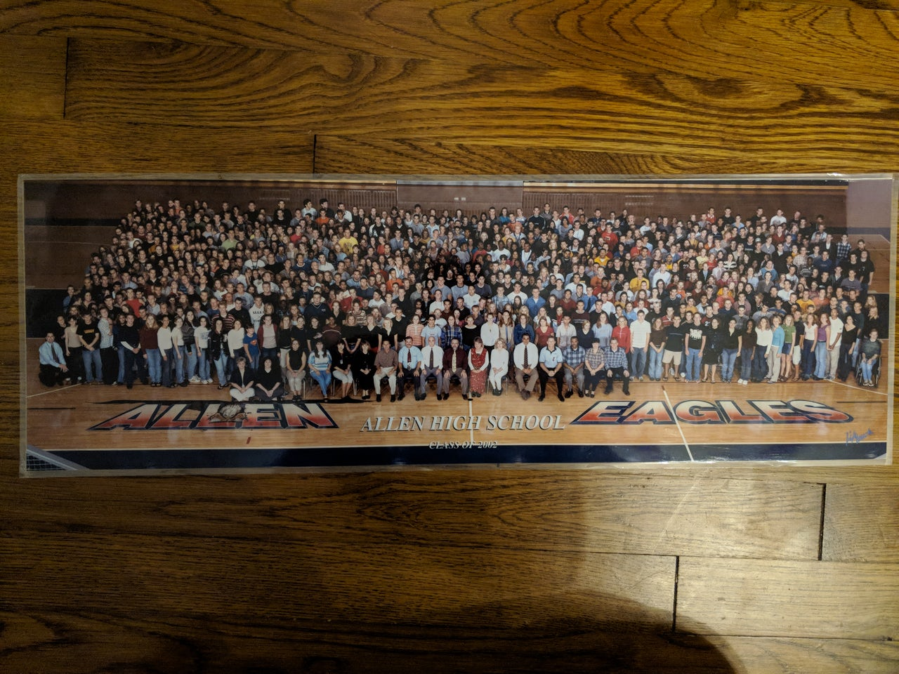 Photo of the 2002 graduating class at Allen High School.