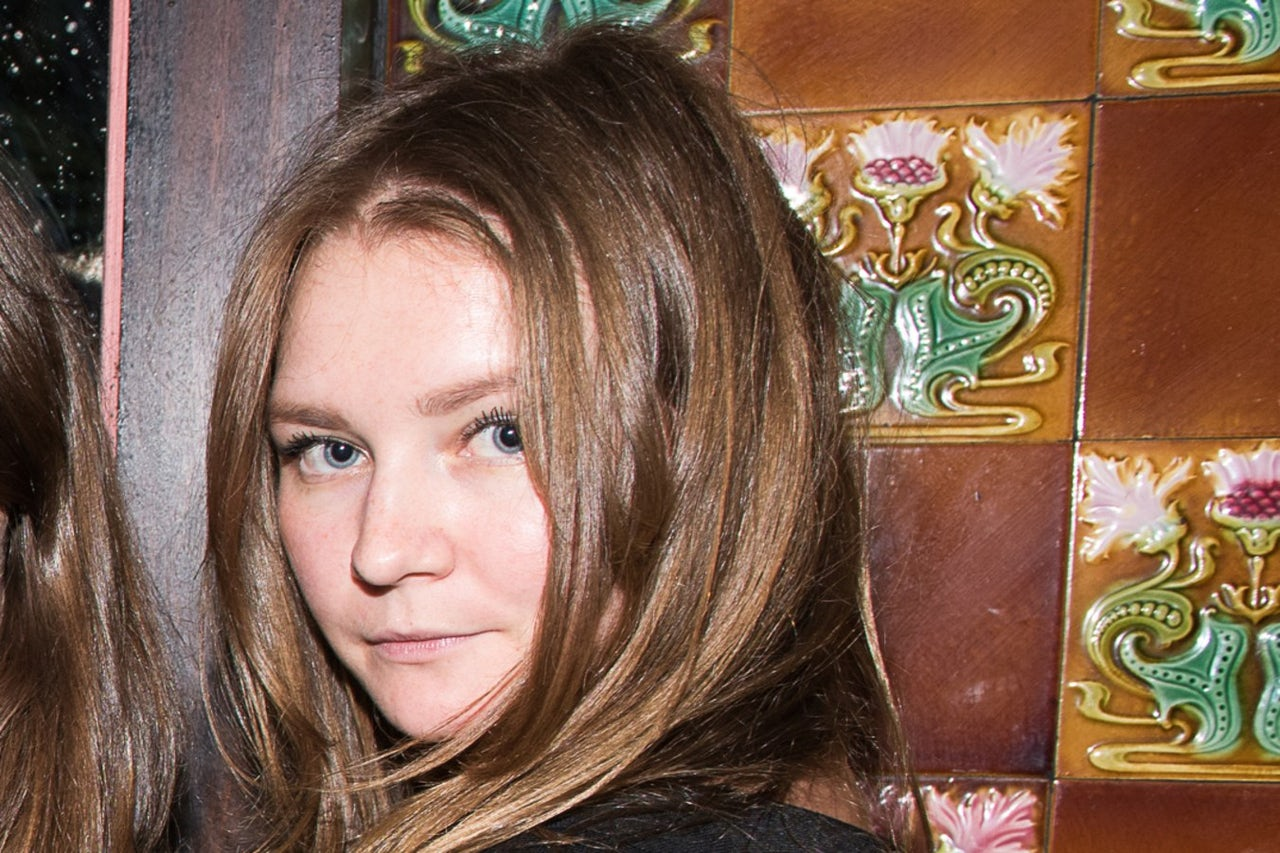 Socialite Grifter Anna Delvey Wants Pen Pals The Outline