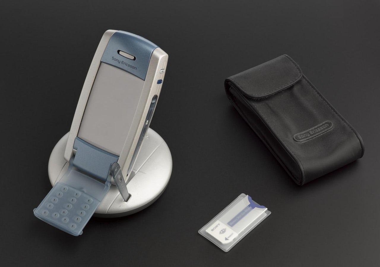 SONY Ericsson P800 (2002)