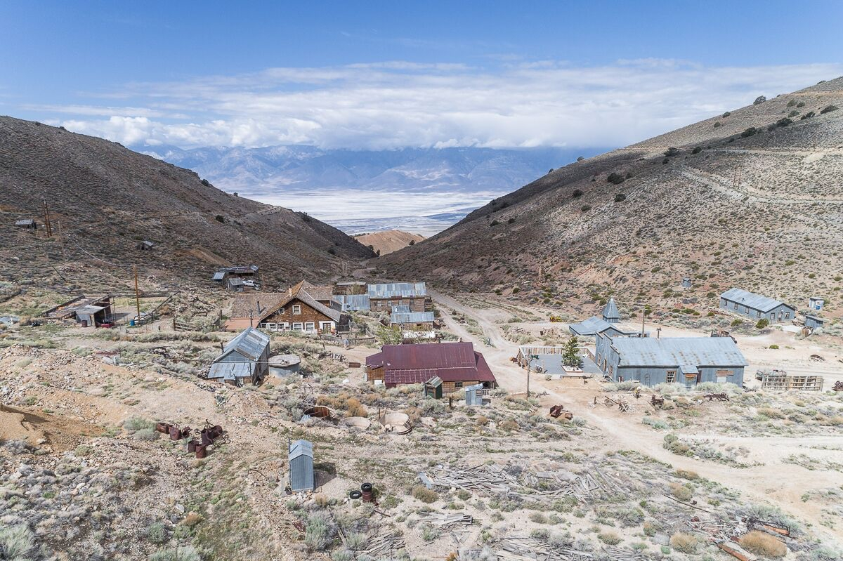 Overview of California ghost town Cerro Gordo