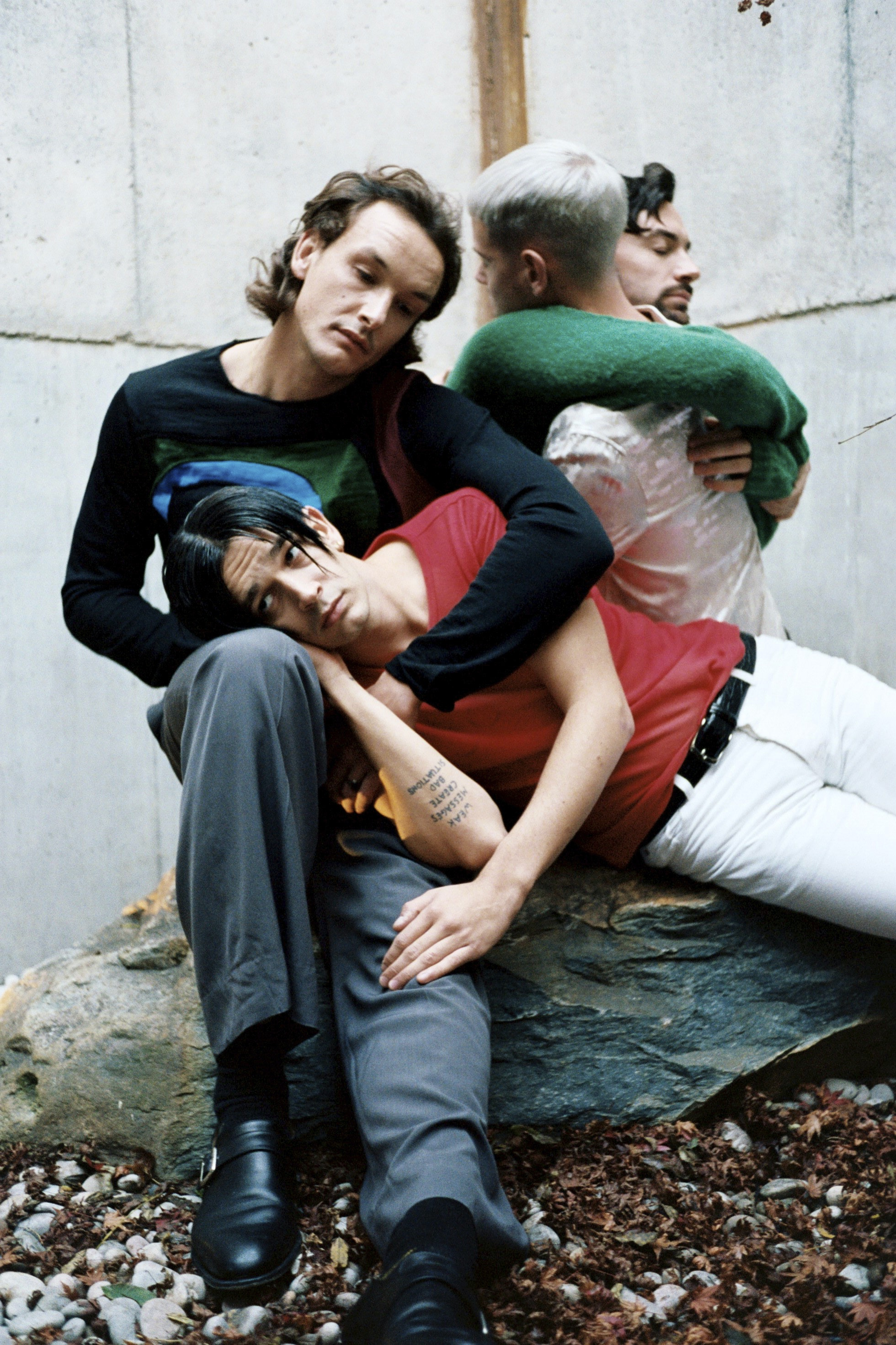 The 1975 know how long love hurts