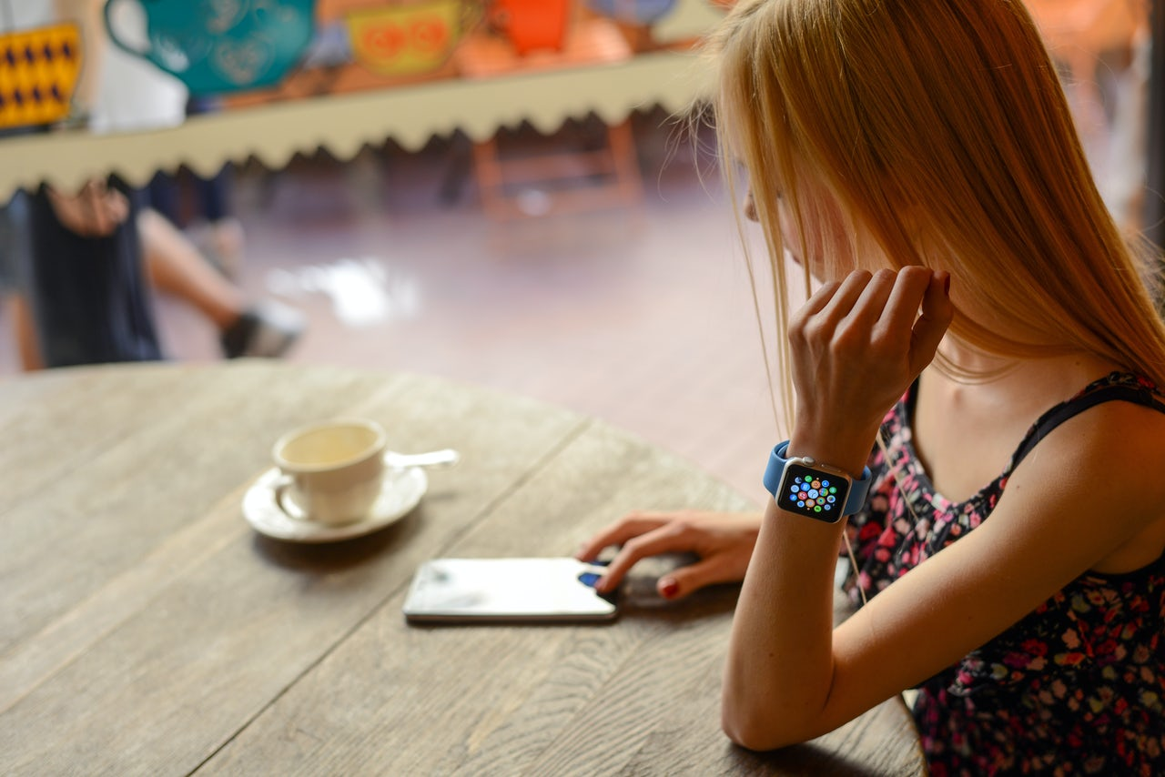 Rich kids are cheating in school with Apple Watches